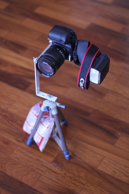 Teste final de sustentação de peso: lente 18-55 + flash numa 60D